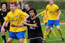 Fotbalisté Hranic (v černém). Ilustrační foto