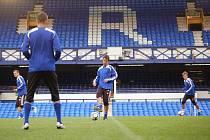 Sigma trénovala na Evertonu