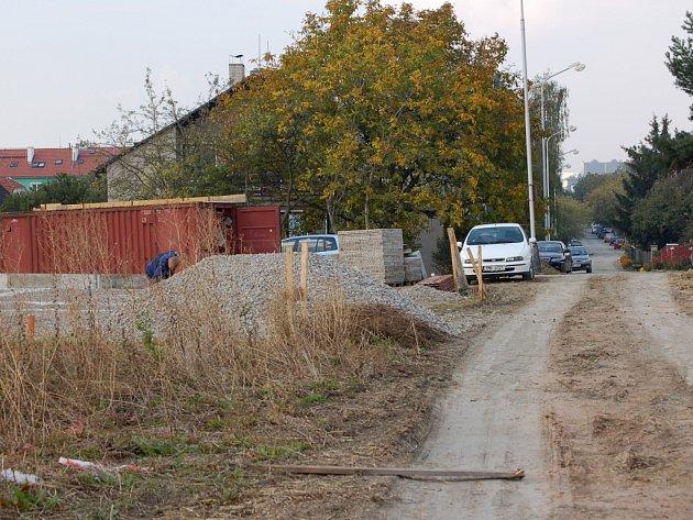 Přerovští radní už podruhé přejmenovali ulici, která vyrůstá na poli za hřbitovem.