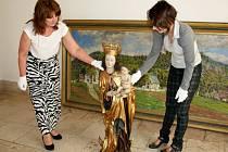 Do Hranic se po letech vrátila gotická socha Hranické madony