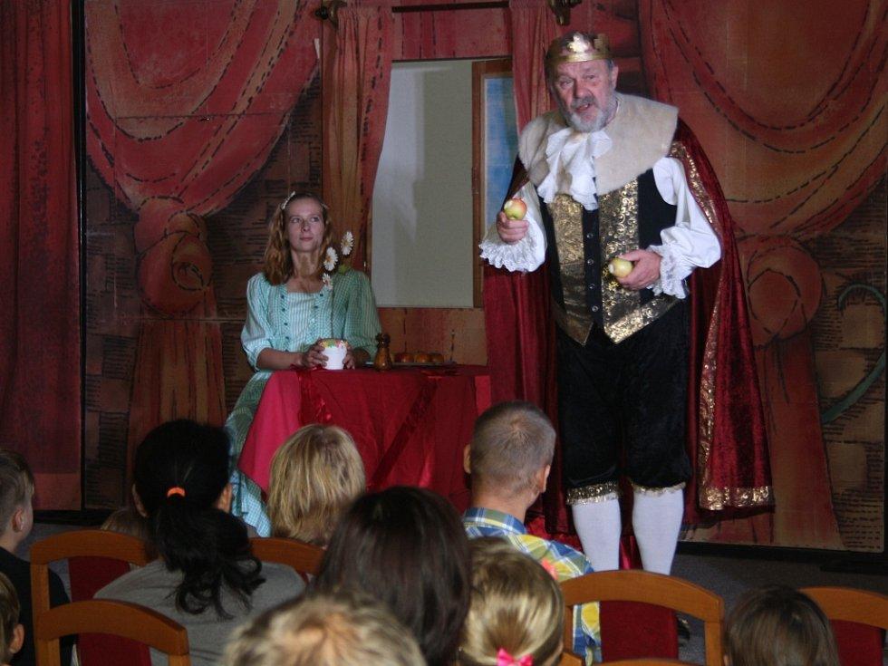 Děti z Hranic si vychutnaly představení Sůl nad zlato.