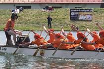 Třetí ročník festivalu dračích lodí se o slunečném víkendu konal na řece Bečvě v Hranicích.