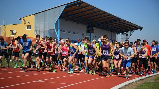 Start závodu Hranické dvacítky a desítky