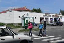 Přechod pro chodce u klubu Bonver v Hranicích patří k těm nejrizikovějším ve městě