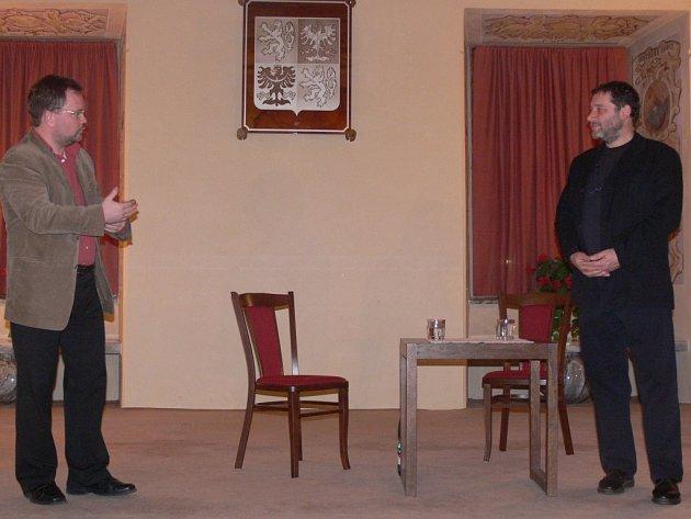 Tomáš Töpfer (vpravo) byl hostem v konickém zámku.