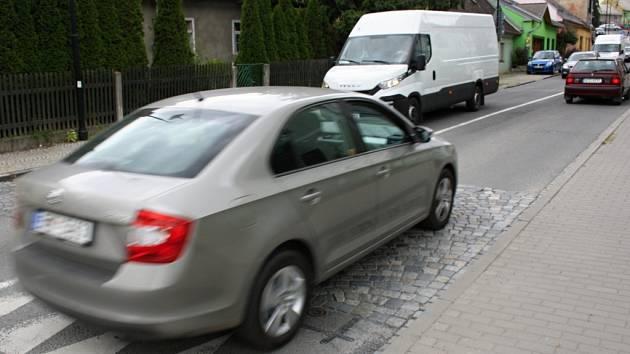 Retardér v Komenského ulici byl snížen.
