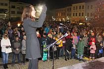 Česko zpívá koledy 2019 v Hranicích s Hranickým dětským pěveckým sborem.