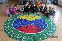 Děti ze školní družiny ZŠ 1. máje vytvořily logo Zbrašovských aragonitových jeskyní