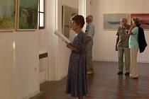 Zahájení výstavy obrazů Milana Cieslara přilákalo ve čtvrtek hranické milovníky výtvarného umění.
