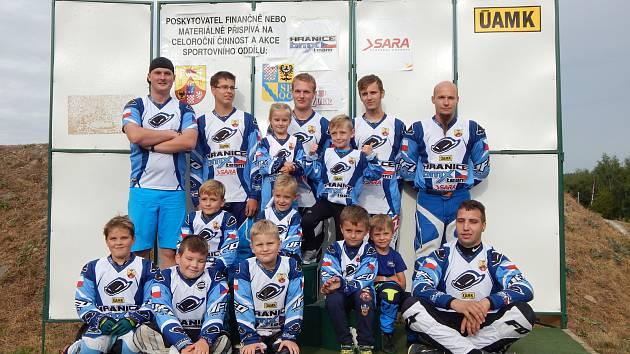 Hranický oddíl BMX Team Hranice s trenérem Janem Křištofem