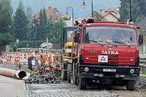 V souvislosti s pracemi na Komenského ulici vznikají dopravní komplikace