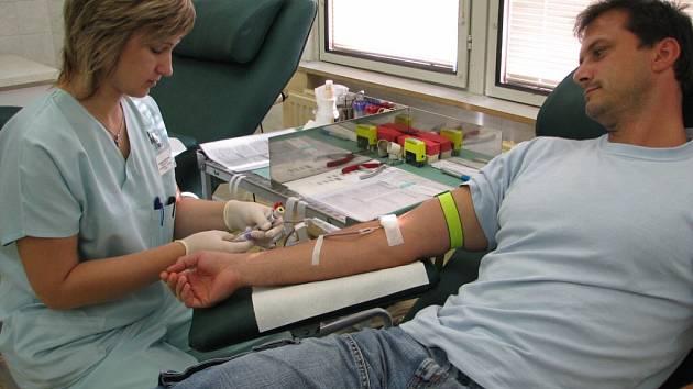 Odběr krve netrvá déle než deset minut.
