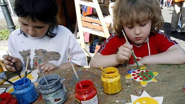Na děti čekají různé sportovní či výtvarné aktivity.