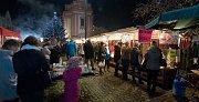 V pátek 1. prosince se v Hranicích na náměstí slavnostně rozsvítil vánoční strom.