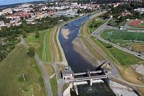 Pohled na Hranice a hranický jez. Ilustrační foto