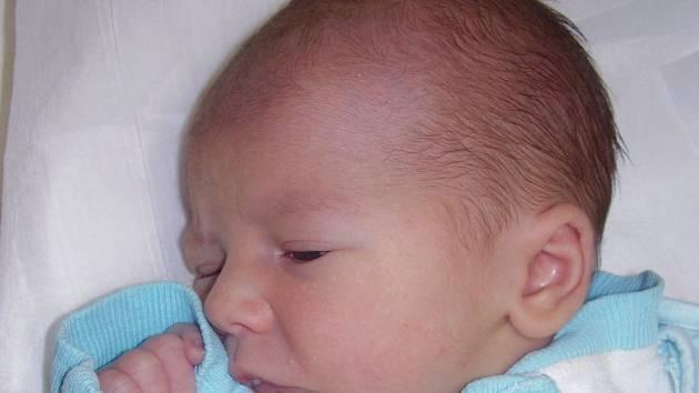 Petr Konečný, Lipník nad Bečvou, narozen 30. listopad v Přerově, míra 50 cm, váha 3 290 g