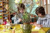 Výstavu s velikonoční tematikou pořádají pravidelně, je i Základní škola v Hustopečích nad Bečvou.
