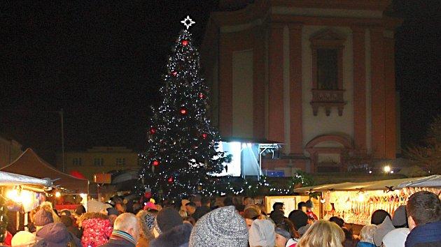 Slavnostní rozsvěcení vánočního stromu v Hranicích 2019