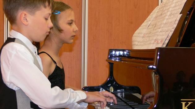 Na celostátní soutěži Dvořákův Lipník se představili mladí klavíristé.