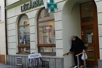 Nárůst nemocnosti pocítili i lékárníci v Přerově.