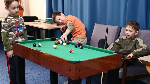 Děti hrály v příměstském táboře hry.
