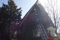 Požár chaty v Milenově