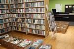 Březen je měsíc knih. Předškoláci z Hranic a Skaličky navštívili Městskou knihovnu a místní knihkupectví. Poslechli si pohádky, hádali kvízové otázky a hlavně si prohlíželi knihy.