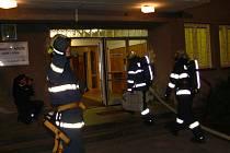 Na internátu ve Studentské ulici v Hranicích v úterý večer hořelo. Naštěstí se jednalo pouze o cviční zásah hasičů.
