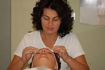 Jaroslava Bláhová je úspěšnou kosmetičkou, která nemá o klienty nouzi.