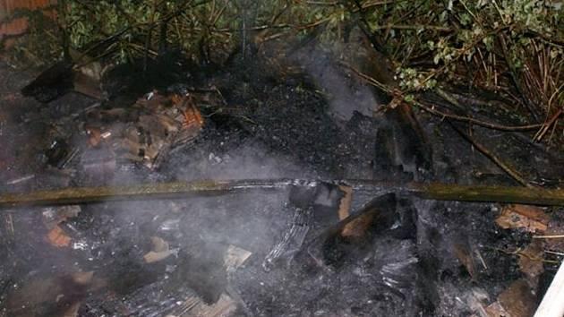 Následky požáru v Partutovicích
