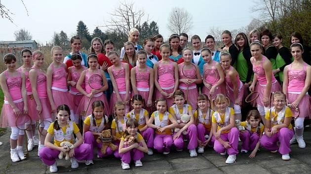 Skupiny aerobiku Dynamic fit TJ ASPV Sigma Hranice se zúčastnily moravského kola soutěže  Děti a fitness v Otrokovicích.