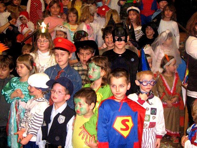 Karneval v Dluhonicích.