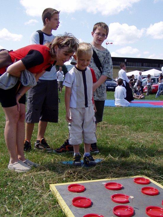 Hraničtí skauti připravili pro děti soutěže.