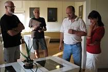 Galerie M+M připravila další prázdninovou výstavu. Prostory galerie rozjasní Paprsky světla