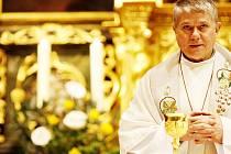 """Mnoho chrámů nabízí na Štědrý den hned dvě """"půlnoční"""" mše"""
