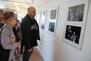 Slavnostní vernisáž otevřela ve středu v hranické Galerii Severní křídlo zámku výstavu fotografií z minulých ročníků Evropských jazzových dnů v Hranicích autorů Milana Kaštovského, Jiřího Necida a Pavla Diatky