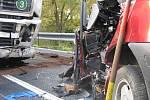 Vážná dopravní nehoda si vyžádala jeden lidský život.