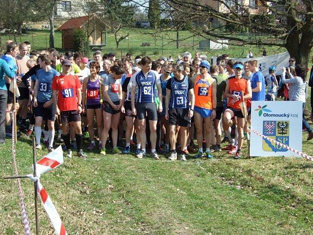 Běžci se na startu začátkem jara setkávají už desítky let