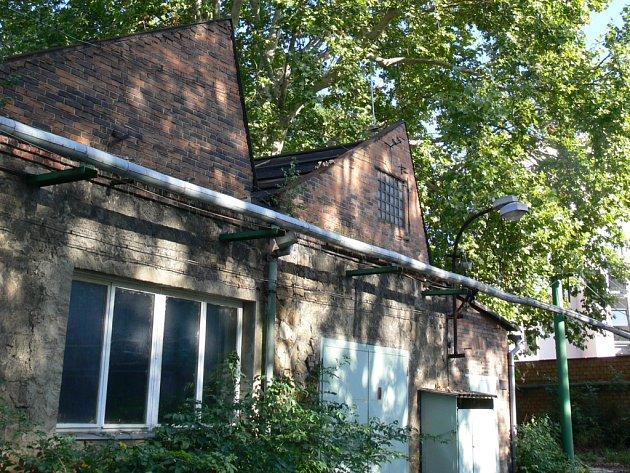 Zchátralé budovy slévárny Heinik.