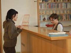 Městská knihovna v Přerově v rámci Dne knihy dovolila hříšníkům vrátit knihy bez poplatku.