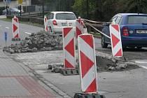 Částečná uzavírka Komenského ulice v Hranicích, kvůli úpravám retardérů