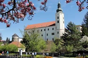 Hranický zámek na jaře