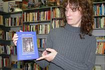 V některých knihkupectvích na Prostějovsku budou na pultech zřejmě ležet obě knihy - originál (na snímku) i plagiát.