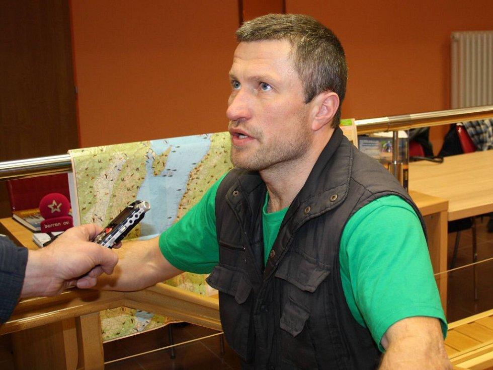 Cestovatel Marek Šimíček chce v extrémním mrazu teplického Polária přežít osm hodin