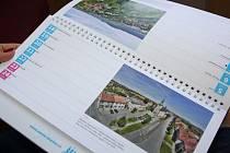 Kalendář na rok 2016 s leteckými fotografiemi Hranic od Martina Necida