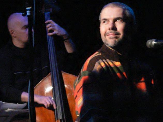 Koncert bratří Ebenů proběhne na nádvoří Staré střelnice.