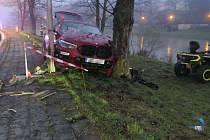Nehoda BMW s vozíkem v Hranicích