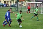 Fotbalisté Všechovic (v modrém) doma porazili Jeseník 3:1.
