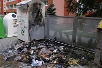 Požár kontejnerů v Hranicích