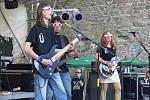 Na prvním rockovém festivalu na hradě Helfštýně vystoupila v sobotu i kapela Bústr.